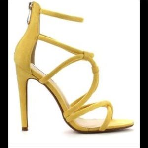 🎁 Cape Robbin yellow suede sandals heels  New 9